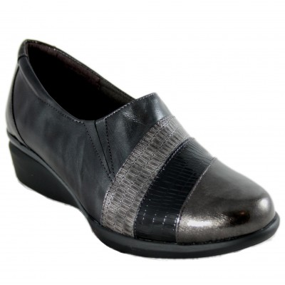 Doctor Cutillas 55955 - Leather Closed Shoes in Silver and Black Colors with Removable Insole and Side Rubber
