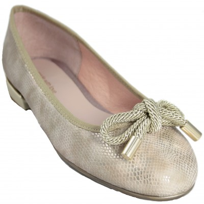 Celia Company 1001 - Leather Ballerinas With Small Beige Heel Engraved Leather And Lace Bow